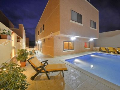 Marsaskala villa rental - Pool by night