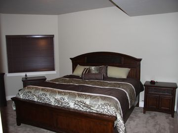 3rd bedroom with king bed, full bathroom just around corner.