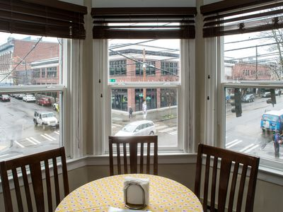 Beautiful Two-Bedroom at St John's Apartments - Capitol Hill Pike/Pine