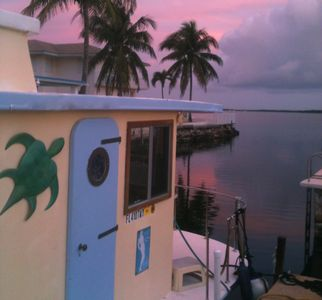 Our EA Houseboat: colorful sunsets! lots of fish, manatee, beach, Everglades in the distance, kayak, bikes for fun