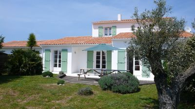 Villa + pool 4 star ILE DE RE, 300 m from the sea and shops