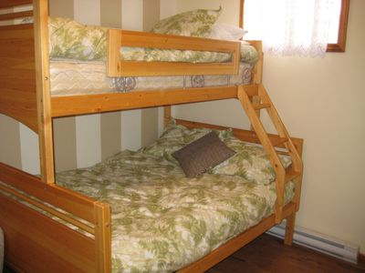 Bedroom with bunk beds (basement)