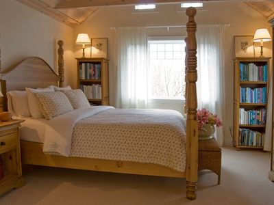 Country warmth and luxurious linens wil ensure a good night sleep.