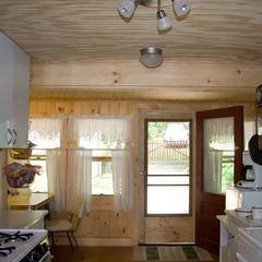 Cedar Lake cottage photo - Fully updated kitchen has dining nook that seats 4-6 (includes a baby boosters!)