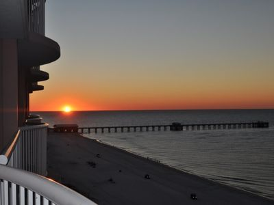 Sunrise to die for! View the brand new fishing pier! No buildings to the east!