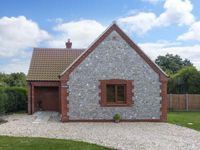 SPRING MEADOW, country holiday cottage in Thurgarton, Ref 19637