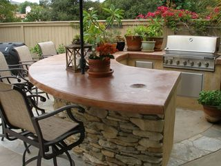 BBQ Area (Gas BBQ) Large Granite countertop with Six Stools