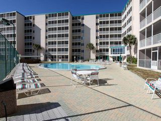 Holiday Surf and Racquet Club Destin condo photo - Pool