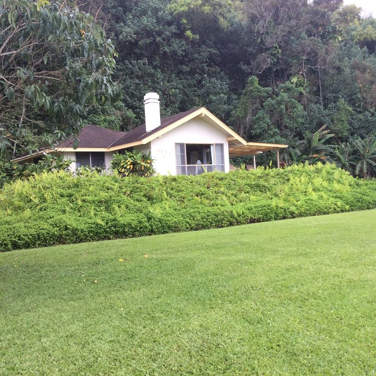 Romantic 1 Bedroom Home at Anini Beach!
