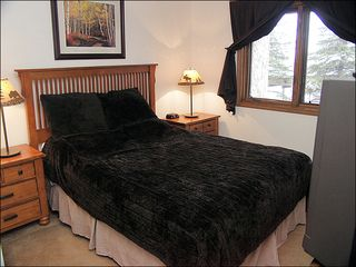 Steamboat Springs condo photo - Bedroom 2 - Queen, Matching Bedroom Furniture