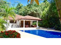 Casa Bonita - Charming Beach House with beautiful pool