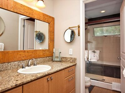 La Jolla condo rental - Master bathroom