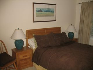 Guest bedroom - Lincoln house vacation rental photo