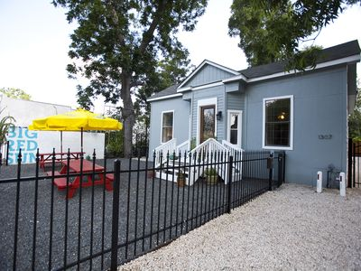 Austin house rental - Centrally located near Austin Bergstrom Airport & blocks from downtown activity.