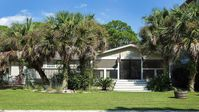 Charming Seagrove Beach Cottage with heated pool - Only 350 steps from the beach