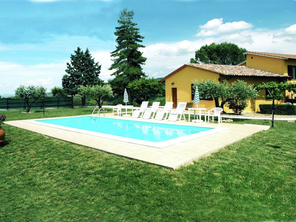 Farmhouse with swimming pool overlooking the vrbo for Farmhouse with swimming pool