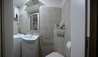 Split apartment photo - Emperor's Retreat Bathroom