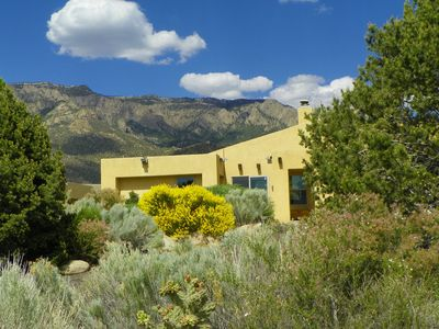 Easy access to ABQ amenities, but backyard wildnerness & access to Sandia mtns.