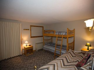 Burke condo photo - Bunk room with bunks and daybed, sleeps 4-5