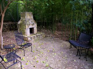Austin townhome photo - Outdoor fireplace & sitting area. Enjoy a cup of coffee and good converstion.
