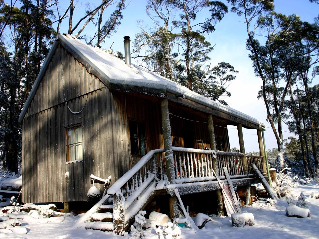 Cradle mountain holiday cabin beautiful fully self for The love shack cabin