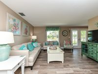 Ground Level. 3 Bedroom. Sleeps 9 in Beds. Private Heated Pool. Close to Beach and Village