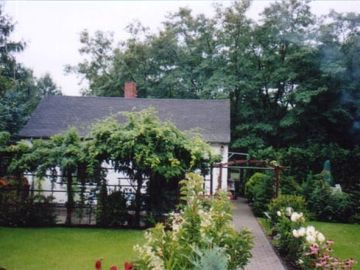 Lichtenberg house rental - The cottage with garden