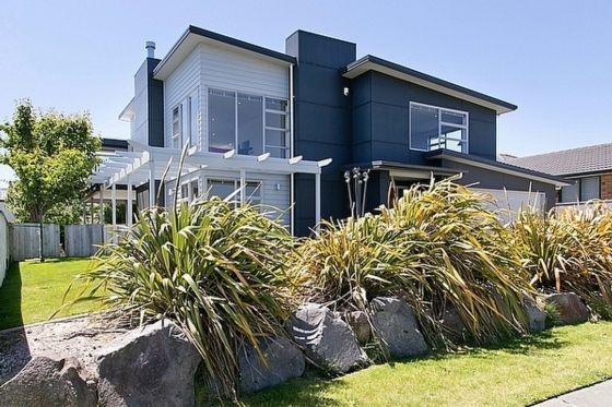Victory Lake House - Wharewaka Holiday Home