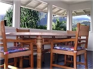 Light and airy - newly remodeled (Malapua's lanai)
