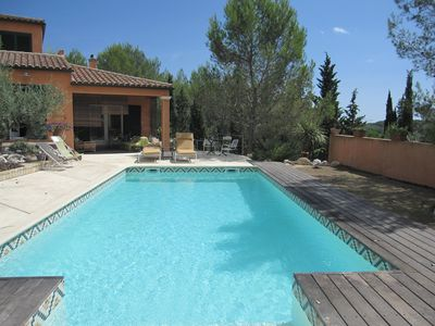 Villa, swimming pool, surrounded by greenery, near Montpellier
