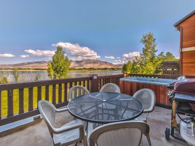 Utah Lodging / LSV 61 / Deck with Hot Tub and View
