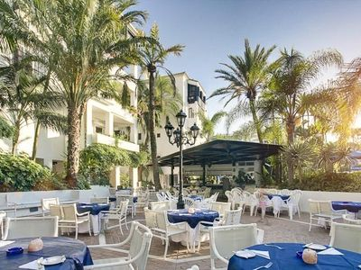 Elviria area apartment rental - Swimming pool restaurant