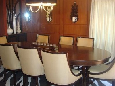 Formal dining room featured on Home & Garden TV