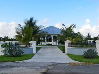 Grand Bahama Island villa photo - Front View and Gate