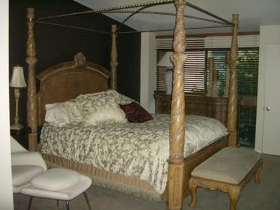 Palm Springs townhome rental - Romantic master bedroom...Two large walk in closets...