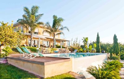 Luxurious villa with 5 bedrooms and panoramic views