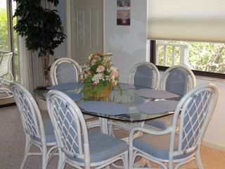 Bonita Springs house photo - Dining table seats six!