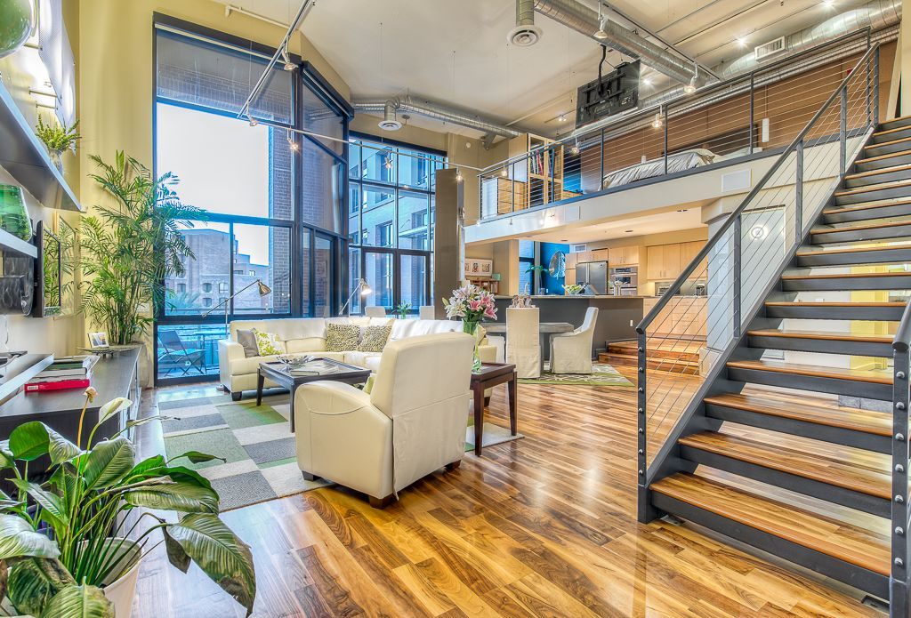Beautiful new york style loft in the heart of vrbo for Loft new york affitto