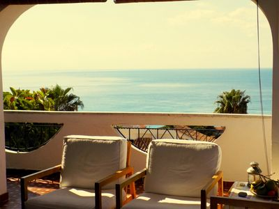 Apartment in villa with garden 350 to the beach with splendid view to the sea
