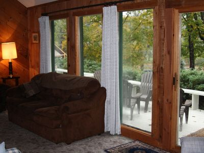 North Conway condo rental - Nice big windows with comfy couch.