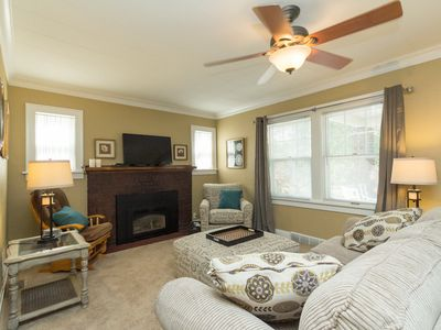 Sleeps 6 -Adorable and cozy 3 bedroom brick home w fireplace.