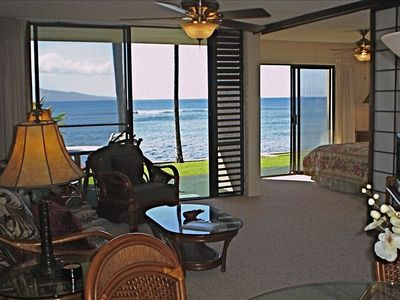 Maalaea condo rental - Spectacular Ocean views from Master Bedroom, Living Room & Kitchen