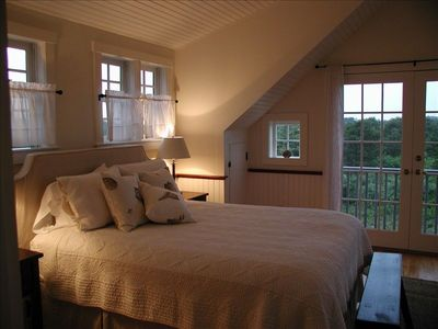 Main house, guest bedroom suite