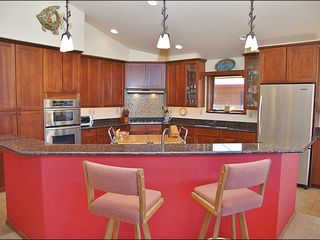 Steamboat Springs house photo - Spacious Kitchen with 2 Sinks & Plenty of Counter Space