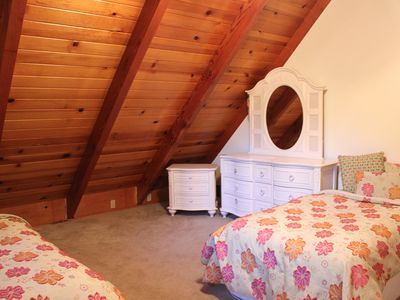 2 twin beds with dresser