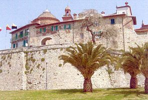 Castiglione del Lago apartment rental - The flat is up in the city wall