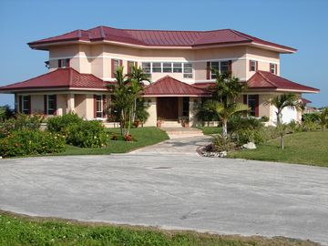 Grand Bahama Island villa rental - Front View