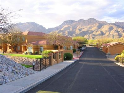 Tucson condo rental - Breathtaking Mountain Views.