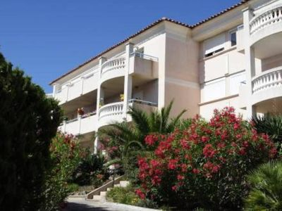 Air-conditioned accommodation, 60 square meters, close to the beach