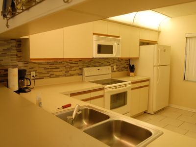 Cocoa Beach condo rental - Kitchen